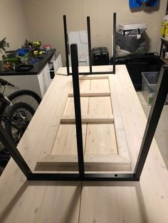 Awesome Diy Room Divider Ideas To Try Asap Diy Dining Room Table, Metal Dining Table, Dining Room Design, Log Furniture, Furniture Makeover, Dining Table Dimensions, Diy Room Divider, Shelving Design, Cheap Home Decor