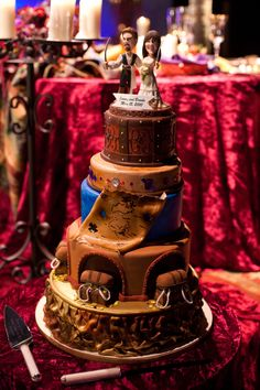 PIRATE WEDDING CAKE! WHAT COULD BE BETTER! Keywords: #weddings #jevelweddingplanning Follow Us: www.jevelweddingplanning.com www.facebook.com/jevelweddingplanning/