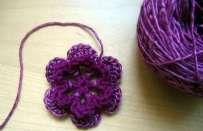 Uncinetto fiori: lo schema per le vostre decorazioni [FOTO]