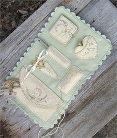 Embroidery envelope by mamie