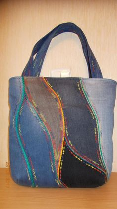 The photo - fabriccraftsAfrican fabriccraftsForMen fabriccraftsFrames fabriccraftsGifts fabriccraftsJewelry fabriccraftsPreschool fabriccraftsQuick fabriccraftsWall Denim Handbags, Denim Tote Bags, Denim Purse, Diy Tote Bag, Leather Handbags, Patchwork Bags, Quilted Bag, Diy Handbag, Recycled Denim