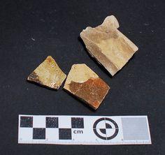 Fragmentos de cerámica de Saintonge encontrados en excavación en Mondoñedo http://mondomedieval.blogspot.com.es/search?updated-max=2016-12-05T04:25:00-08:00