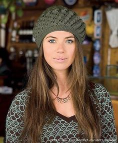 Gorro tejido a crochet para el otoño-invierno. Gráfico en crochet, para tejer este maravilloso gorro.