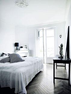 Danish home in Cannes. Nordic home design. Black, grey, white. #rassphome http://www.superrassspy.com