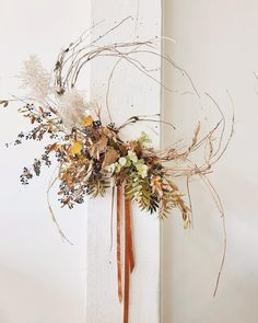 New Photo modern fall wreaths Tips I won't watch for drop each one year… I adore summer months, I am going to neglect this lengthy a short time and th Diy Fall Wreath, Autumn Wreaths, Holiday Wreaths, Wreath Ideas, Dried Flower Wreaths, Dried Flowers, Floral Wreaths, Flower Installation, Deco Floral