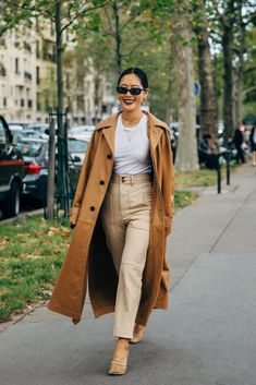 Paris SS 2020 Street Style: Aimee Song – 2020 Fashions Womens and Man's Trends 2020 Jewelry trends Street Style Edgy, Spring Street Style, Street Chic, Fashion Milan, Street Fashion, Tokyo Fashion, Abaya Fashion, Fashion 2018, Fashion Online