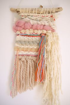 Introduction to Weaving Class Weaving Projects, Weaving Art, Loom Weaving, Hand Weaving, Craft Projects, Creative Textiles, Loom Knitting Patterns, Boho Wall Hanging, Sewing Leather