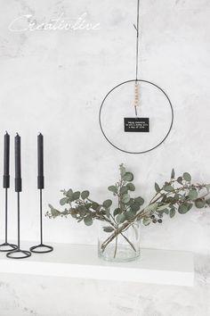 1 ring - 7 ideas for the wall - Deko. DIY - Deco Home Diy Design, Black Christmas, Xmas, Wreath Rings, Modernisme, Diy Fall Wreath, Diy Rings, Woodland Nursery Decor, Home And Deco