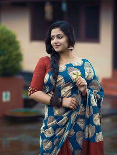Anu Sithara in Saree- Pretty, Sexy Collection! Beauty Full Girl, Beauty Women, Saree Models, Star Wars, Indian Beauty Saree, Indian Sarees, Silk Sarees, Kerala Saree, Organza Saree