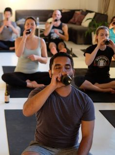 """""""Beer Yoga"""" Looks Even Weirder Than It Sounds+#refinery29"""
