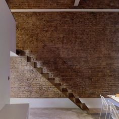 London apartment by Bell Phillips