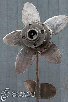 STC Scrap Sculptures 2013 - Metal Garden (closeup of flower)