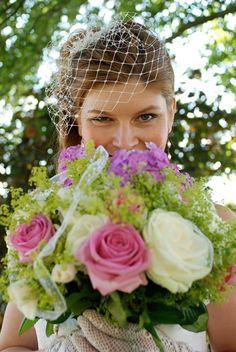 birdcage veil, hand made by myself homemade flower bouquet... the fragance!!! mmh