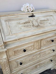 Bianco seta  chalk piant shabbychic colors e cera scura.