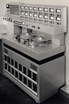 Unitrack Modèle Uni-16 Ruban machine - www.remix-numerisation.fr - Rendez vos souvenirs durables ! - Sauvegarde - Transfert - Copie - Digitalisation - Restauration de bande magnétique Audio - MiniDisc - Cassette Audio et Cassette VHS - VHSC - SVHSC - Video8 - Hi8 - Digital8 - MiniDv - Laserdisc - Bobine fil d'acier - Micro-cassette - Digitalisation audio - Elcaset