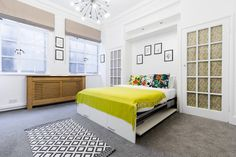 A cute and newly furnished studio in Central London, right next to Regent's Park and Great Portland Street station. The studio has a separate kitchen and bathroom with shower and tub. Only 10 mins to Oxford Circus!