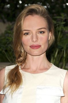 Pin for Later: The Side Plait Is the Perfect Bad Hair Day Remedy Kate Bosworth Kate kept the ends of the plait loose, finishing the braided section where it hit the shoulder. A sideswept layer at the front added volume. Holiday Hairstyles, Trending Hairstyles, Celebrity Hairstyles, Summer Hairstyles, Prom Hairstyles, Big Box Braids Hairstyles, Braided Hairstyles, Updo Hairstyle, Braided Updo