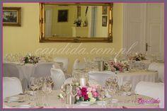 kwiatowa dekoracja weselna w Dworze Radzin dekoracja ślubna, dekoracja stołów i sal weselnych