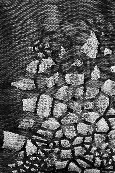 Marie Ilse Bourlanges Textures Patterns, Fabric Patterns, Print Patterns, Textile Texture, Weaving Textiles, Knitting Stitches, Knitting Machine, Vintage Canvas, Fabric Manipulation