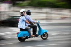 Comparez les #assurances deux-roues pour réaliser des économies ! Le #comparateur malin #CompareDabord Assurance Scooter, Motorcycle, Simulation, Vehicles, Blog, Autos, I Want You, Everything