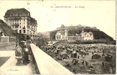 Postcard of the beach at Granville, Normandy. Photo: cyrilleb1881 (image is in the Public Domain).