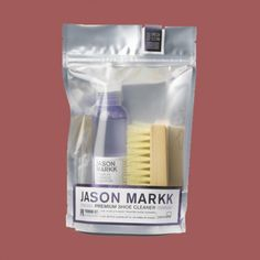 Kit Magazine kindly featured us in their Christmas Wish List: Gifts for Dad, with the Jason Markk Premium Shoe Care Kit. Priced at £15.95.