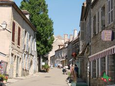 Vézelay | Les plus beaux villages de France - Site officiel