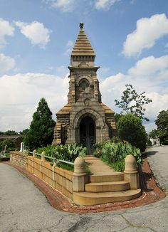 Oakland Cemetery grave   by Ember39