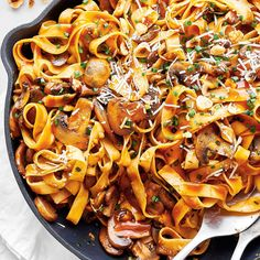 Mushroom And Hazelnut Fettuccine — The Star Creamy Mushrooms, Stuffed Mushrooms, Stuffed Peppers, Linguine, Wine Recipes, Pasta Recipes, Pate Spaghetti, Ricardo Recipe, How To Roast Hazelnuts