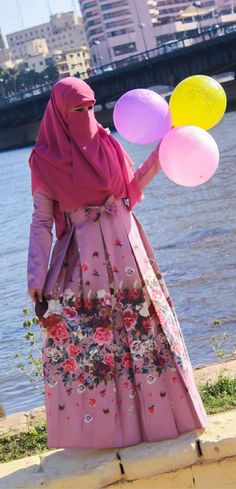Muslim Girls, Muslim Women, Hijab Fashion Summer, Women's Fashion, Face Veil, Hijab Niqab, Pakistani Dresses, I Am Awesome, Elegant