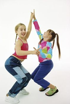 """""""iCarly"""" Birthday Party Games --Okay maybe not but I could see this group of girls having fun with 'Random Dancing'"""