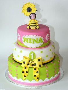 Such a cute cake!