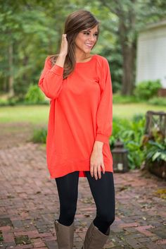 Slouchy Dolman Tunic, Coral Fall Winter Outfits, Autumn Winter Fashion, Latest Fashion Trends, New Fashion, Trendy Outfits, Cute Outfits, Winter Wardrobe, Cute Shirts, Tunic Tops