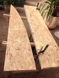 4 OSB Each 140x30cm. saw with a jigsaw according to the master plan