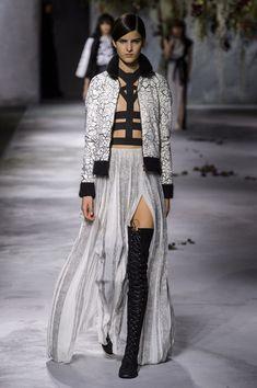 Vionnet at Paris Fashion Week Fall 2015 | Stylebistro.com