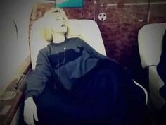 Dianna Agron trying to fall asleep on an airplane aka cutest thing I have ever seen<3