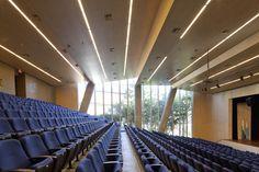 La Enseñanza School Auditorium,© Sergio Gómez