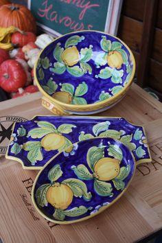 Sicilian Maiolica Ceramic Clay, Ceramic Plates, Ceramic Pottery, Pottery Painting, Ceramic Painting, Lemon Kitchen Decor, Italian Tiles, Italian Pottery, Plates And Bowls
