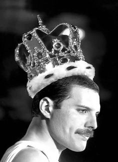 Freddy Mercury: 24 a