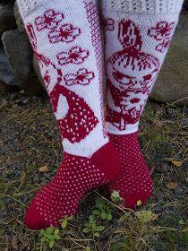 Tanssivat Puikot: Pikku Myy Fair Isle Knitting, Knitting Socks, Family Christmas Presents, Woolen Socks, Moomin, Christmas Knitting, Neck Scarves, Diy Crochet, Handicraft