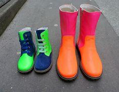 Chat Méchant Chaussures et boots fluo lilli bulle Colour Match, Neon, Mamma Mia, Childrens Shoes, Kid Shoes, Little Ones, Rubber Rain Boots, Kids Fashion, Fancy
