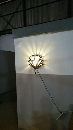 French lelie wall lamp