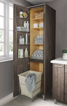 Smart storage goes a long way when it comes to keeping a small bathroom organized. Smart storage goes a long way when it comes to keeping a small bathroom organized. Small Bathroom Organization, Diy Bathroom Decor, Bathroom Design Small, Bathroom Layout, Bathroom Interior Design, Bathroom Ideas, Bathroom Designs, Bathroom Cleaning, Organized Bathroom