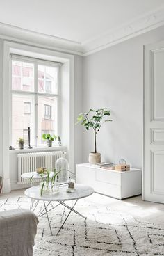All white with a little touch of green. Super fresh and air friendly.