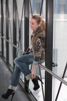 jeans blouse - H / pullover - Vero Moda / jeans - Review / fake fur vest - C / belt - Vero Moda / bag - Forever21 / shoes - Forever21/ bracelets - Foreve21, LookbookStore / ring - LookbookStore / earrings - Majolie