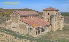San Miguel de Escalada, provincia de León. Arte Mozárabe World Photo, Iglesias, Romans, Beautiful World, Cabin, Architecture, House Styles, Romanesque Architecture, Bouldering