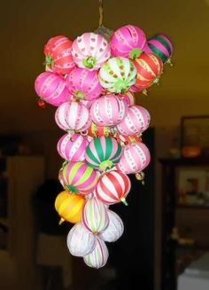 """Paper Ball Ornaments I ADORE paper crafts! I find it amazing what you can make from a humble piece of paper - so many great idas out there. Here is one such great paper craft - these fantastic paper """"bauble""""…"""