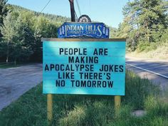 Indian Hills Community in Colorado enjoys a good laugh with their ever-changing and ever-punny signs. Local community center volunteer Vince Rozmiarek is the one to blame because he's the one behind all the brilliant puns featured below. Funny Shit, Funny Puns, The Funny, Funny Stuff, Funny Fails, Funny Things, Funny Texts, Random Stuff, Funny Captions