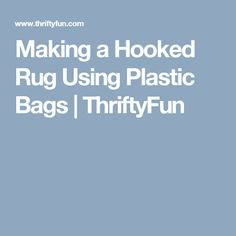 Reusable market bags made with plarn are cute and sturdy. This guideis about making market bags from plastic bags. Recycled Plastic Bags, Plastic Shopping Bags, Ways To Recycle, Market Bag, Rug Hooking, Bag Making, Slogan, Projects To Try, Knitting