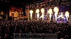 VÖLKERBALL  Oberhausen Turbinenhalle (08.10.2016)   monkeypress.de - sharing is caring! Autor/Fotograf: Frank Güthoff Den kompletten Beitrag findet Ihr hier: Fotos: VÖLKERBALL  http://monkeypress.de/2016/10/fotos/voelkerball-oberhausen/